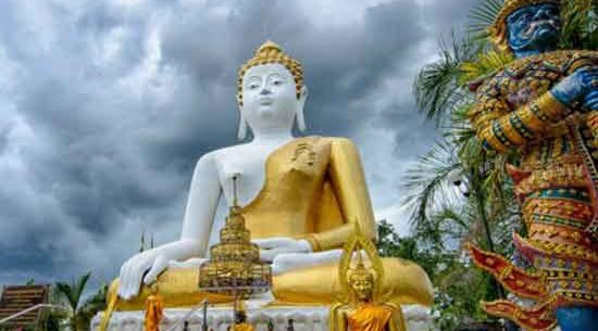 Phra-That-Doi-Kham-