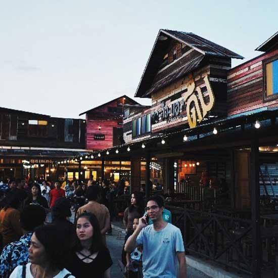 Teng-Thedeng-Market